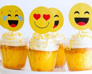 Emoji cupcakes, emoji desserts, emoji sweets, emoji pastries, cupcake toppers
