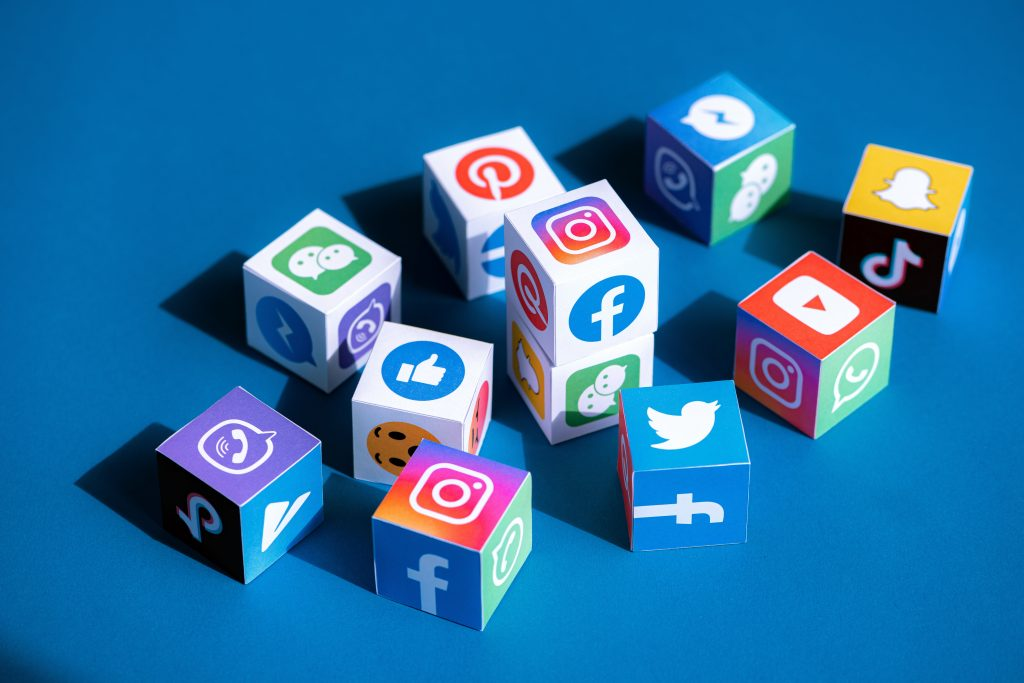 cubes of social media apps