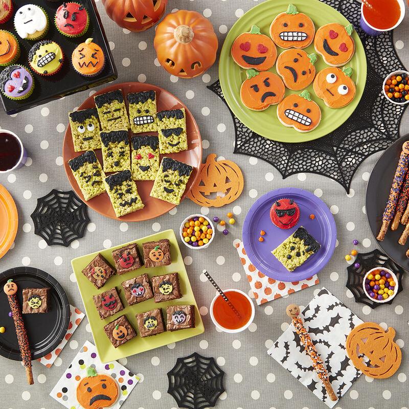 Halloween desserts, Halloween emojis, Halloween treats