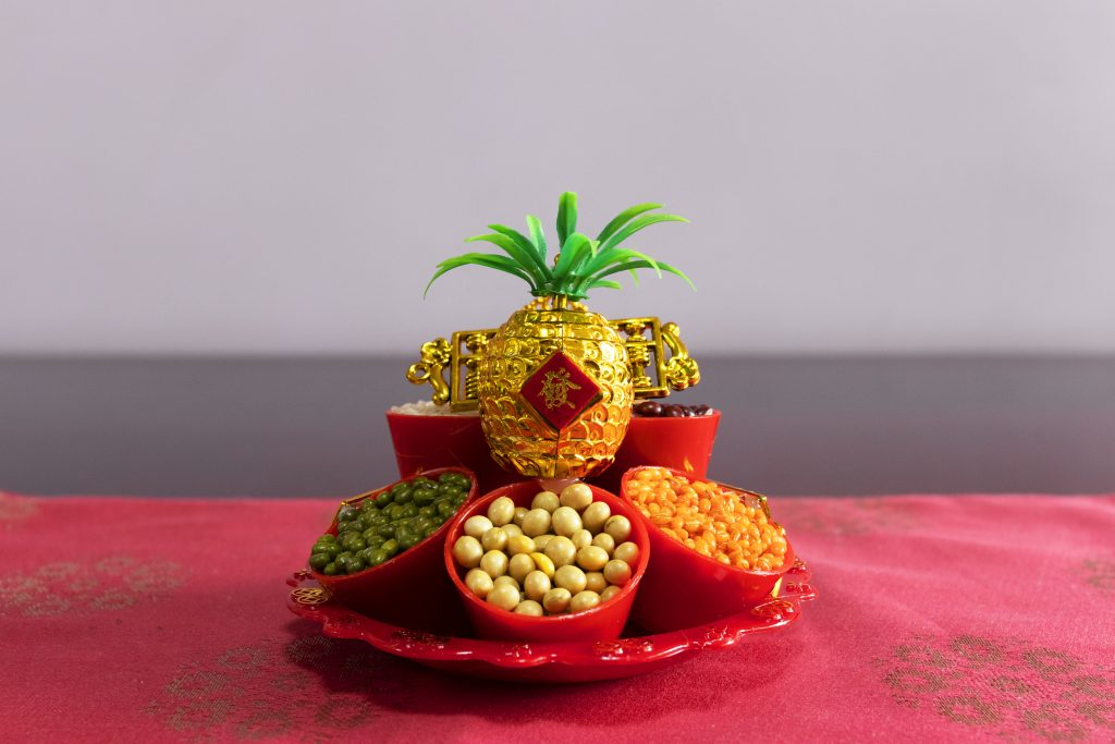 pineapple, pineapple in Feng Shui, pineapple in Chinese beliefs